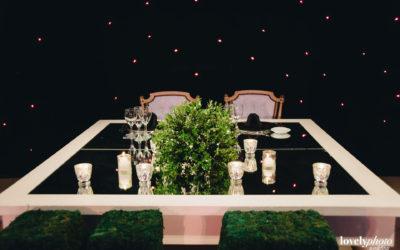 Detalle de mesa Tiffany en salón planta baja